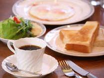 【洋朝食一例/別途有料】朝はやっぱりトースト!そんなアナタにおススメです。館内レストランでどうぞ