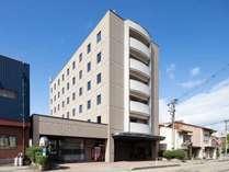 *【外観】JR松任駅から徒歩3分。無料駐車場完備のアクセスしやすいホテル♪ビジネスや観光拠点に