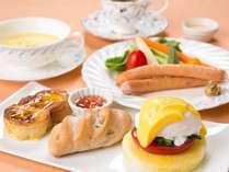 色とりどりの朝食もホテルの自慢(写真は洋食選択の場合)