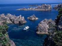 【観光】尖閣湾揚島遊園では海中透視船に乗って、海中を楽しむことが出来ます。