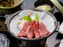 飛騨牛を贅沢に2種類食べ比べ♪陶板焼&しゃぶしゃぶ