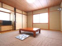 落ち着いた和室のお部屋です。ごゆっくりお寛ぎくださいませ。