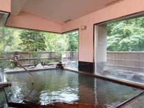 内風呂「鶴の子」<鳴子でも数件しかない重層泉「黒湯」です>