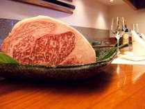 鉄板焼き『落葉松』目の前での調理は、五感全てで食欲をかきたてられます!