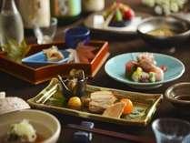 日本料理(イメージ)旬の食材を使用した、目にも美しい本格会席をお楽しみください