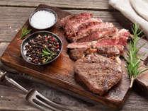 リブロースの1ポンド極厚熟成肉は驚異の赤身肉の旨味。