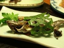 【1泊2食付】新鮮な川魚料理&源泉かけ流し温泉を堪能