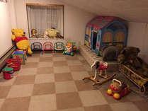 キッズルームが出来ました。お子様が安心して遊べます。