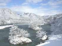 阿賀野川の雪景色