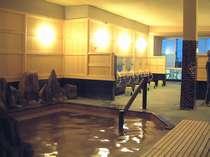 ゆっくりのんびりできる蒸し湯風コーナーのある「石亭」源泉かけ流し温泉!