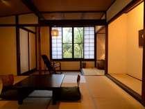 和室10畳間(一例)。お布団はセルフ敷きとなります。