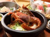【ご夕食一例】大人気の石焼きナシゴレンはパチパチ鳴る音が食欲をそそります!アツアツを召し上がれ!