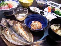 *朝食も栄養バランスのとれた和定食をご用意致します(一例)