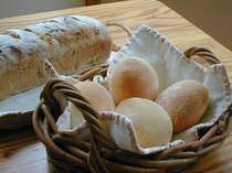 朝食におだしする手づくりパン