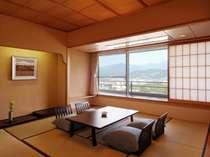【和室12畳】一番人気のお部屋。葉山側と蔵王側の2タイプ有(※蔵王側指定は別料金)