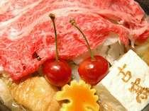 さくらんぼフルコースのメインである米沢牛さくらんぼすき焼き
