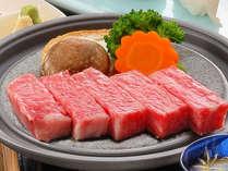 全国和牛ランキング常連の『山形牛ステーキ』そのとろけるような食感たるや美味しさの極み。