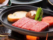 【御刺身九重】特選牛ステーキ。冬の圧倒的人気プランです。量・質ともに大満足のコースです。