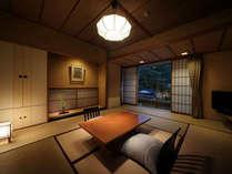 【和室10畳】静かで落ち着いた佇まいの純和室です。リーズナブルな料金も嬉しい客室。