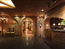 【立礼(リューレイ)】大正ロマンの風情漂う洋式の個室会食場リューレイは、お子様や足の悪い方にも好評。
