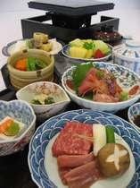 ご夕食/石焼きをメインとした和食会席料理。(鹿児島県産黒毛和牛)