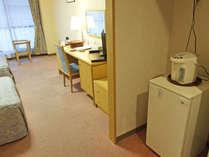 *【洋室ツイン一例】湖に面したお部屋もございます♪(洗浄機付きトイレ付)