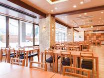 *レストラン ミナノネ 温かい日差しが差し込みます。
