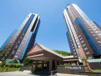 ユニークなデザインの「リゾナーレトマム」。一歩中に入ると、優雅で上質なホテル滞在が始まります。