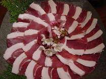 洞川地場産のしし肉は臭みもなく、やわらかくて美味しいと好評です♪