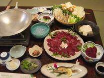 鹿鍋の料理例(季節により内容は変わります)