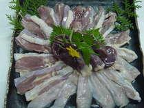新鮮な熊野地鶏のお肉