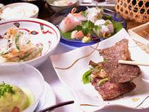 *お夕食一例/旬を感じるお料理をお部屋食にてお召し上がり下さい。