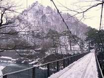 冬の鷹ノ巣吊り橋★荒川渓谷を望む♪