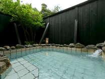 【椿の荘-TSUBAKI-】<露天風呂> 満天の星空が覆う、開放的な客室露天♪