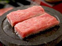 """【村上牛石焼き】""""ジュワ~""""っと溢れる肉汁♪&旨み♪やみつきになること間違いなし!◎"""