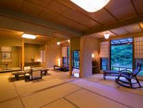 当館一広い【藤の荘-FUJI-】目の前には、自然の四季折々違った表情を望みます
