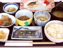 *朝は栄養バランスの良い和食膳をご用意致します【朝食一例】