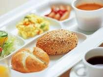 ※無料朝食サービスは2018年7月15日にご宿泊のお客様(7月16日朝食分)までとなります。す。