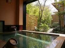 貸切風呂【萬葉の湯】 春の朝