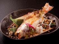 脂がのった白身魚の王様「のどぐろ」。器もお楽しみください