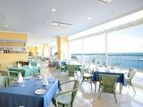 【タラソカフェ】大きなガラス窓のカフェで気持ちの良い朝食を