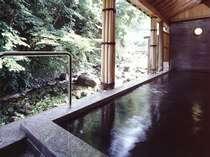 川沿いの露天風呂は魅力たっぷり!