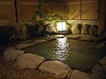 *夜の露天風呂は、昼と違った趣でお楽しみ頂けます。