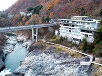 ■【外観】鬼怒川に寄り添うように緑水はございます