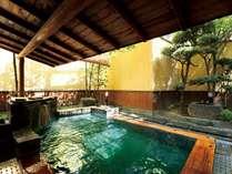 ■1階男性露天風呂 心地良い硫黄の薫り