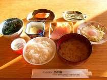 *朝食一例。ほかほかご飯と、手作りのおかずが並びます!