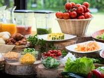 安曇野新鮮野菜が中心の健康をテーマにした朝食バイキング