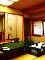 【12畳+広縁3畳・エコノミー和室】♪源泉掛け流し内湯付きのお部屋と当館オリジナル会津懐石料理を楽しむ♪