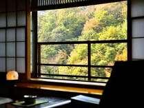 秋は大川の絶景が望めます★