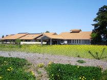 田園風景と北アルプスを望む梓川水辺の宿。安曇野・上高地・松本観光の拠点として、観光にも便利です。